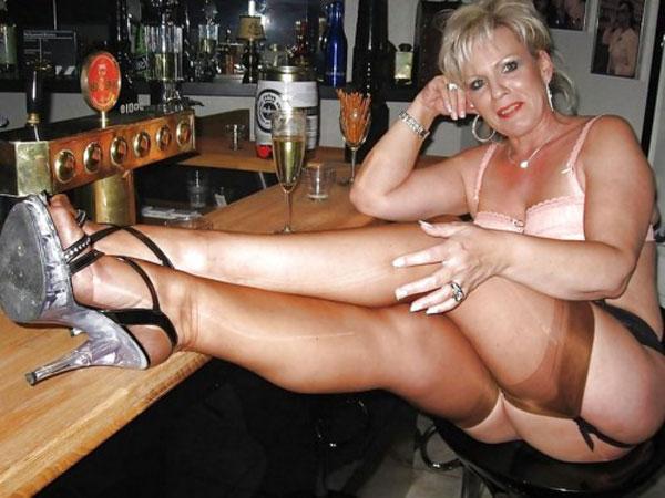 Une cougar belge à la recherche de sexe torride - Vidéo porno hd