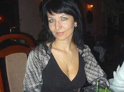 Femme mature ayant un appétit certain pour les jeunes hommes
